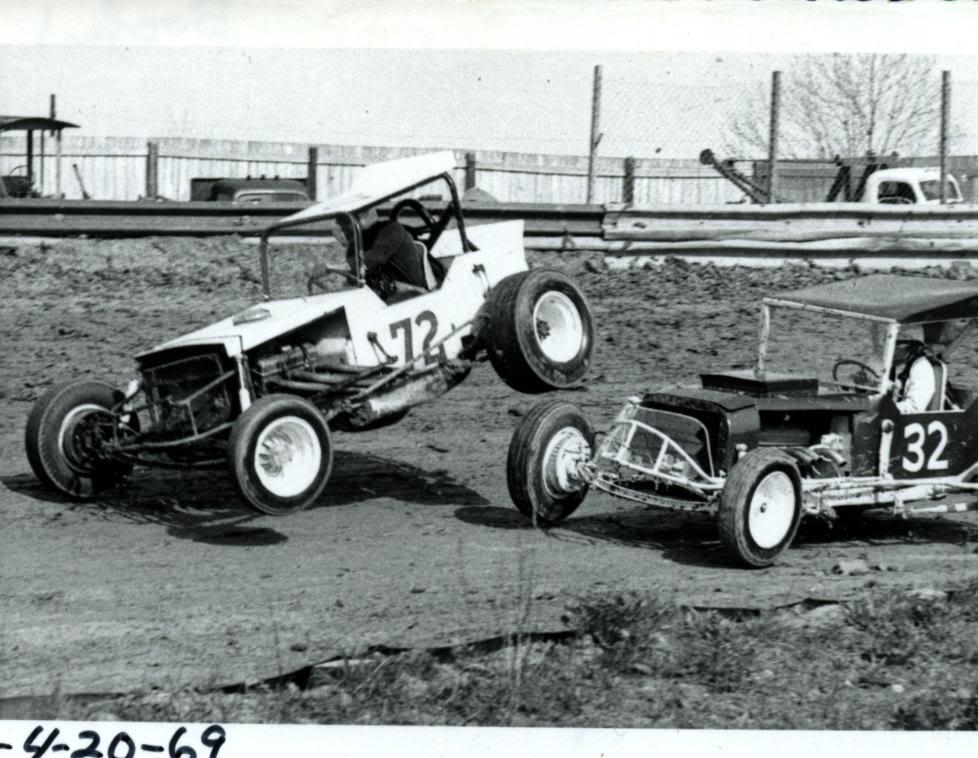 Old Race Photos   D.E. Richard Garage, Inc.